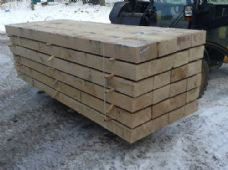 GREEN OAK - BEAMS/SLEEPERS - 2.6M X 240/120